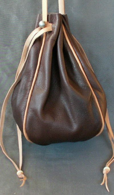 Ladies 14th/17th century large round drawstring purse with piped seams