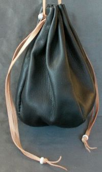 Ladies 14th/17th century large round drawstring purse