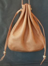 Ladies 15th/16th century drawstring purse with side gusset
