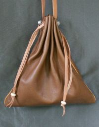 Ladies 14th/15th century square drawstring purse with piped seams