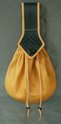 Ladies 17th century teardrop belt purse with tooling and internal divider and coin purse
