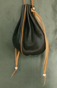 Ladies 14th/17th century round drawstring purse with piped seams